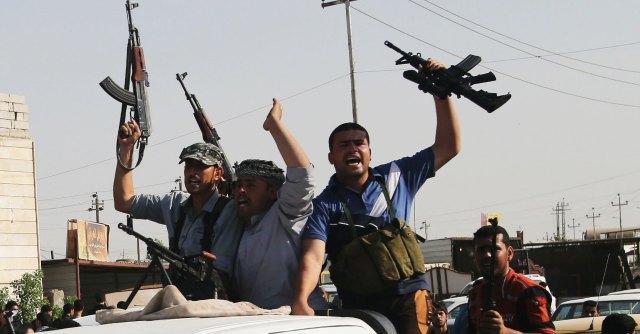 """Iraq, jihadisti: """"Uccisi 1700 soldati"""". Possibili colloqui tra Stati Uniti e Iran"""