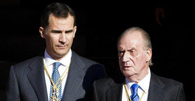 Spagna, Juan Carlos perde l'inviolabilità. Ma il governo prepara uno scudo ad hoc