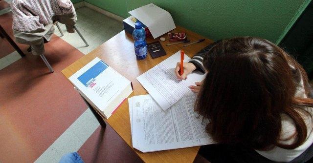 Maturità 2014, tracce seconda prova: Luciano al classico, Integrali allo scientifico