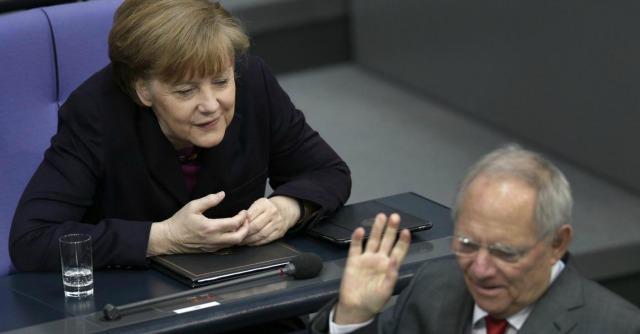 "Ue, Schaeuble e Weidmann smentiscono Merkel: ""Errore fatale indebolire il Patto"""