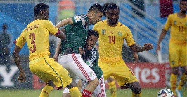 Mondiali 2014, il Messico batte di misura il Camerun: 1-0 sotto il diluvio di Natal