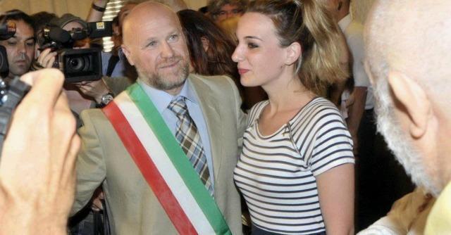 Livorno, il primo giorno del sindaco M5s Nogarin. Subito scontro con la Regione