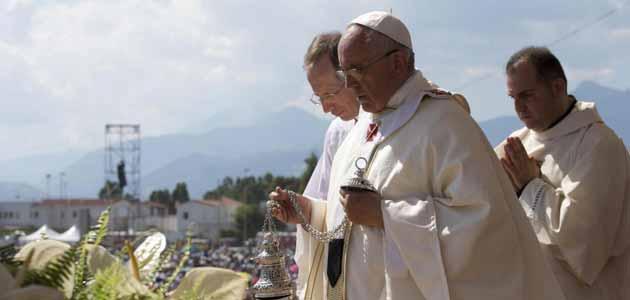 Mafie, il Papa che scomunica