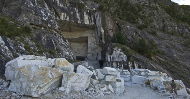 Parco alpi apuane cave