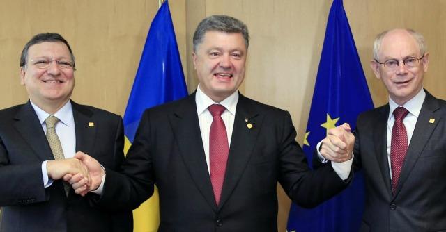 """Ucraina, firmato accordo di associazione con Ue. Mosca: """"Gravi conseguenze"""""""