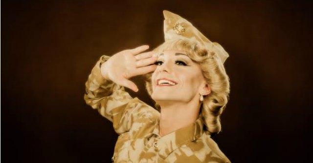 """Drag queen, storia di Richard: """"I miei show anche per l'esercito inglese"""""""