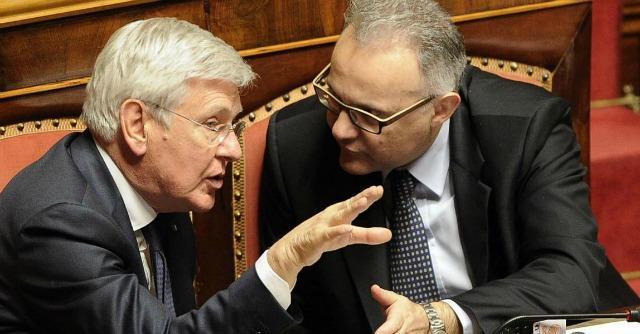 """Riforme, Mauro sostituito in commissione: """"E' perché non faccio il Dudù di Renzi"""""""