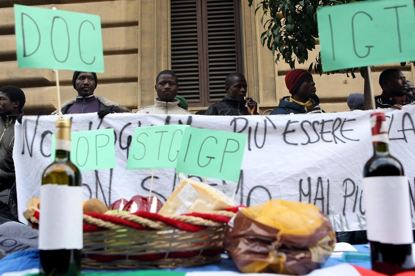 Migrazione internazionale, il lato oscuro del pomodoro italiano