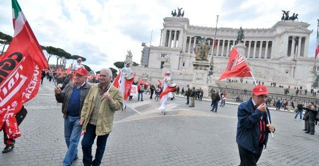 Roma, sciopero dipendenti. Chiusi uffici e asili nido e nelle strade niente vigili urbani