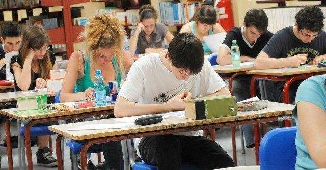 Test Invalsi 2014 in terza media: quiz su analisi del testo, grammatica e matematica