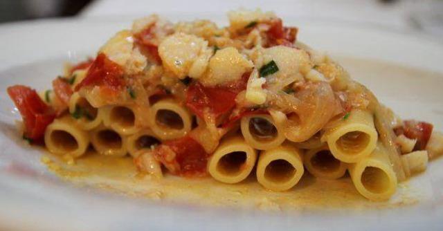 Estate a Napoli: cinema gratis e cena da chef a prezzi popolari