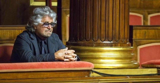 """Grillo al Senato: """"Casaleggio prenderà casa a Roma"""". Poi la smentita"""
