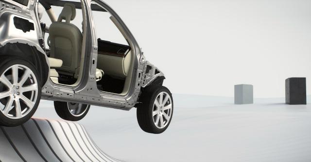 """Protezione in caso d'uscita di strada: la Volvo XC90 punta al titolo di """"più sicura"""""""