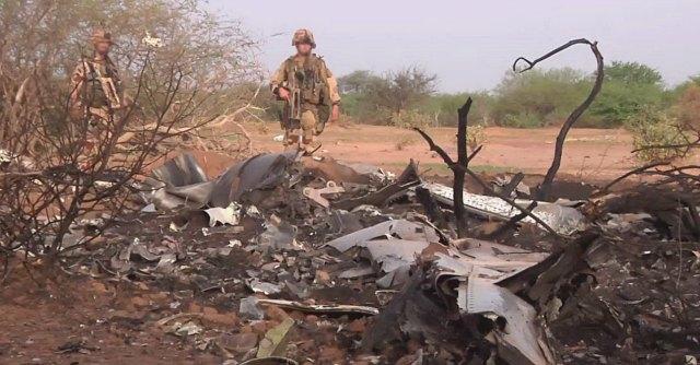 "Air Algerie, ritrovati i resti dell'aereo. Hollande: ""Nessun sopravvissuto"""