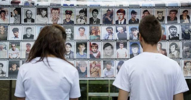 """Srebrenica, Olanda condannata. Per l'Aja: """"I caschi blu complici del genocidio"""""""