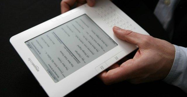 """Amazon, """"tariffa flat per l'e-book Kindle con numero illimitato di libri"""""""