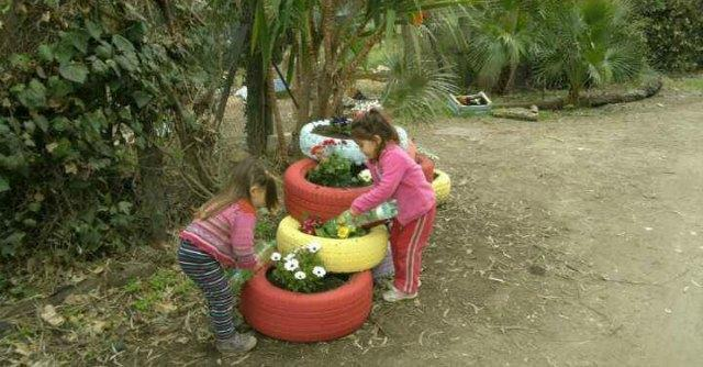 bambini asilo nel bosco