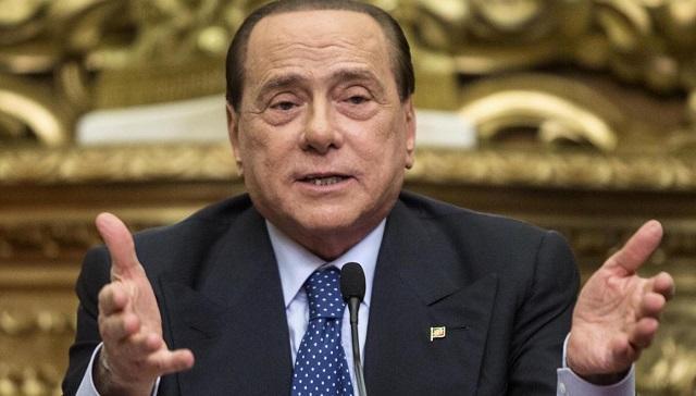 """Berlusconi assolto, l'ex Cavaliere: """"Commosso, accusa ingiusta e infamante"""""""