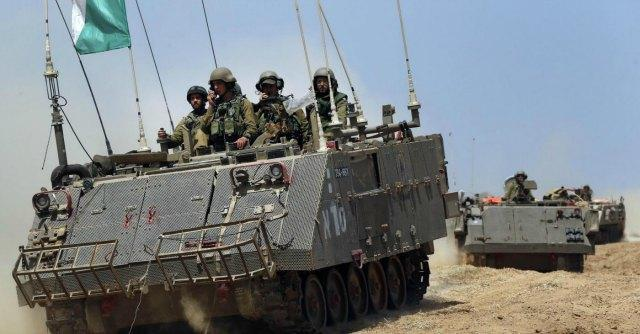 """Israele, su Twitter la campagna dell'esercito con video, foto e audio: """"Voi cosa fareste?"""""""