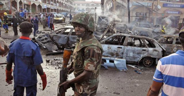 Nigeria, Boko Haram rapisce la moglie del vicepremier del Camerun. Lui in fuga