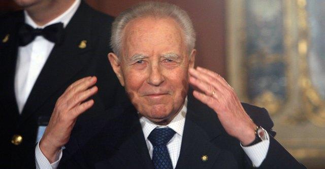 Carlo Azeglio Ciampi ricoverato d'urgenza a Bolzano. Gli auguri di Napolitano