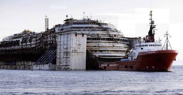 """Concordia, iniziato il viaggio per Genova. Gabrielli: """"Esulteremo solo alla fine"""""""