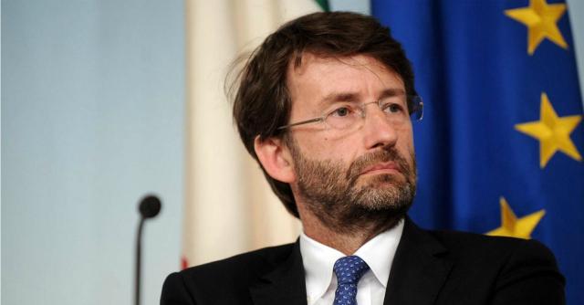 Copia privata: 'Le multinazionali disinformano i consumatori'. Gino Paoli scrive a Franceschini