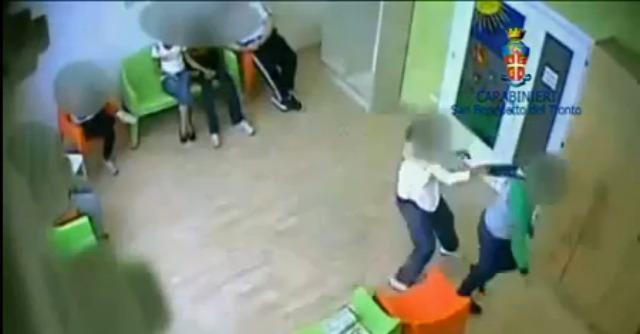 Ascoli, ragazzi disabili maltrattati e rinchiusi nella stanza di contenimento