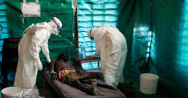 """Virus Ebola, lo scopritore: """"Epidemia senza precedenti"""". Ma l'Europa non rischia"""