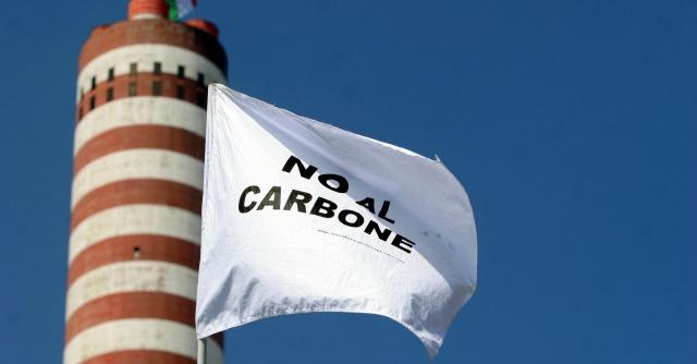 """Enel, ambientalisti: """"In Italia due delle centrali a carbone più sporche d'Europa"""""""
