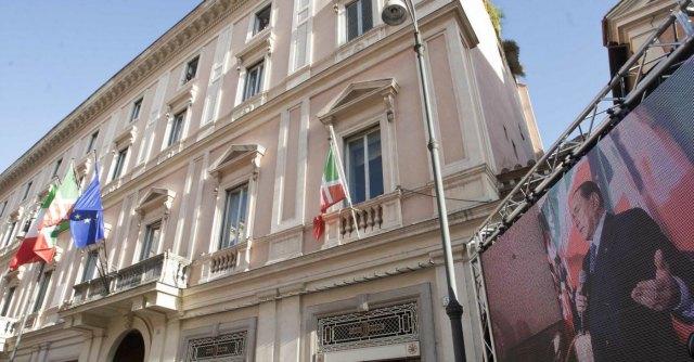 Forza Italia, dipendenti senza stipendio da luglio: casse del partito in profondo rosso