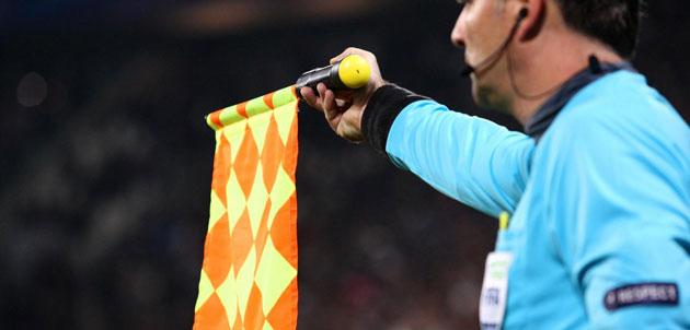 Calcio: Io e te, tre metri fuorigioco. L'offside cambia, la confusione resta
