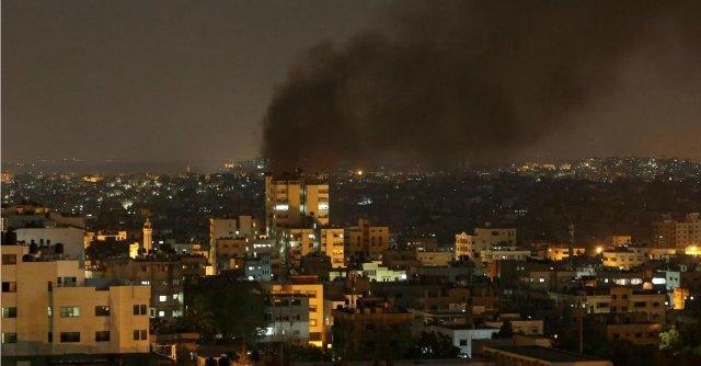 """Gaza, """"Rotta tregua, lancio di razzi su Israele"""". In extremis sì a nuovo accordo"""