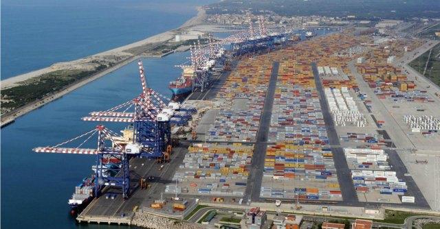 Reggio Calabria, sequestrati 85 chili di cocaina purissima nel porto di Gioia Tauro