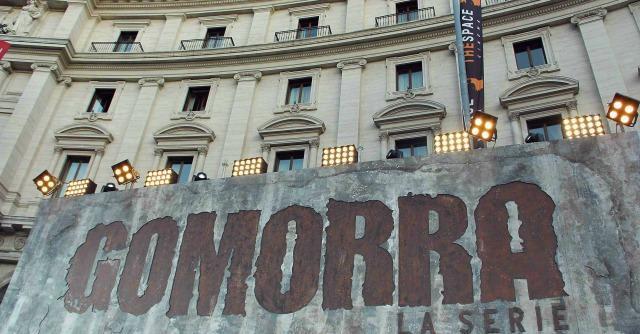 """Gomorra – la serie, indagati i produttori: """"Hanno aiutato i boss a eludere indagini"""""""