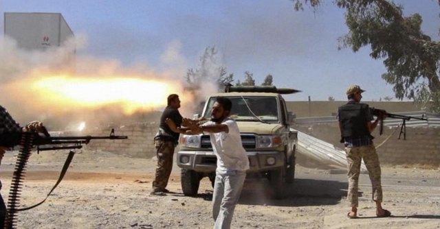 """Libia, allarme per attacchi aerei kamikaze. Mogherini: """"Oltre 200 morti a Tripoli"""""""