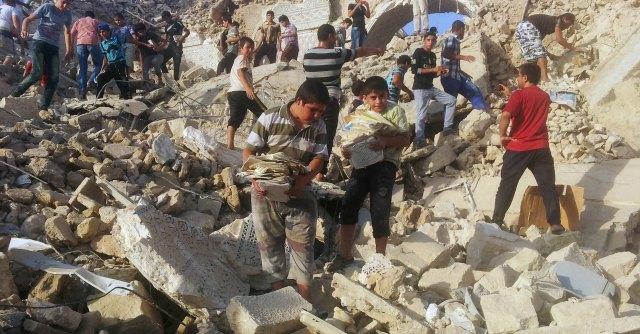 Iraq, Isis distrugge mausoleo di S. Giorgio Cittadini salvano il minareto di Mosul