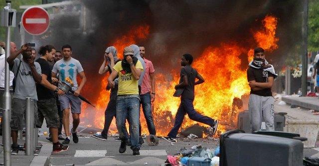 Cortei pro-Gaza, nuovi scontri a Parigi Migliaia in piazza da Amsterdam a Rabat