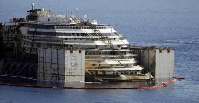 Concordia, perdita di idrocarburi subito contenuta. Il relitto si è alzato di 6,5 metri
