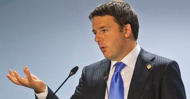 """Riforme, Renzi: """"M5S? Da Pd risposta puntuale"""". Grillo: """"Bradipo, hai 24 ore"""""""
