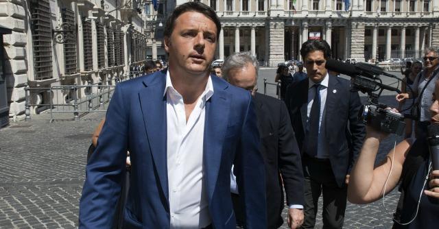 Debiti Pa, Renzi continua a promettere. Ma più della metà è ancora da pagare