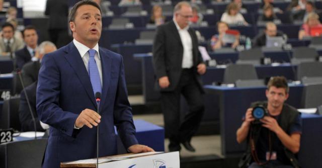 Renzi salta la conferenza stampa, stupore e proteste dei giornalisti stranieri