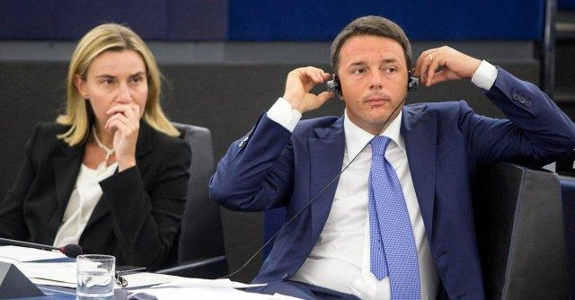 Renzi: giullarate all'estero, streaming-autogol in casa