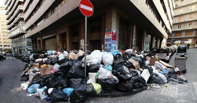 """Commissione d'inchiesta sui rifiuti ferma. M5s: """"Ostacolata dalla maggioranza"""""""