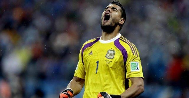 """Olanda – Argentina, Romero è l'eroe. Van Gaal: """"Gli ho insegnato io a parare i rigori"""""""