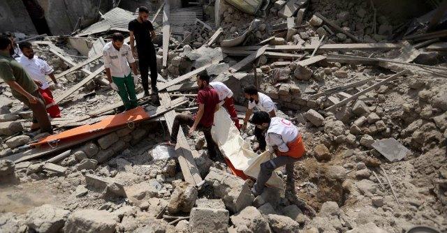 """Gaza, 72 morti a Sajaya. """"Uccisi 17 bimbi"""". Netanyahu: """"Completeremo la missione"""""""