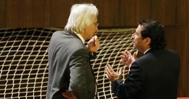 Concordia, Schettino aveva dato la colpa al timoniere. Ma lo aveva promosso lui