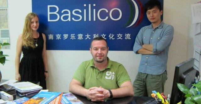 """""""In Italia facevo il magazziniere, ora in Cina ho la mia scuola di italiano"""""""