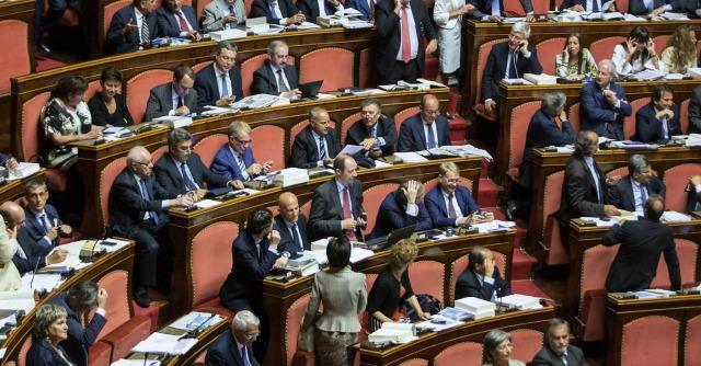 Riforme: immagine celestiale, i senatori lavorano!