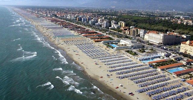 Maltempo mette in crisi le spiagge: 400 milioni persi e 50mila lavoratori a casa